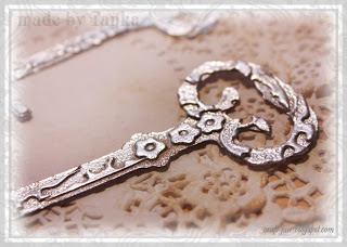 how to use embossing powder